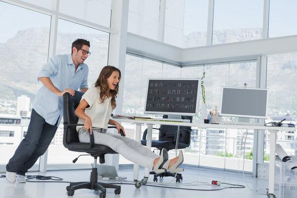 Vad man bör tänka på vid köp av kontorsstol?