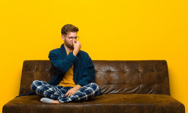 Få bort dålig lukt från dina möbler